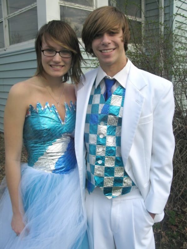 Teen Stuns Entire School By Wearing THIS To Prom. Look Carefully ...